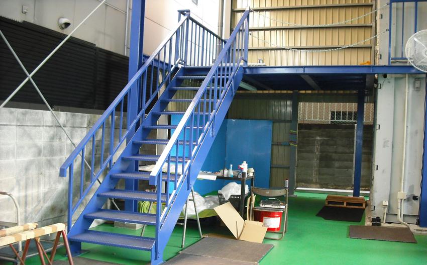 階段・忍び返し付門扉製作
